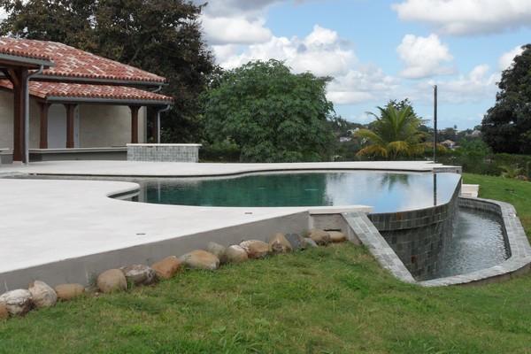 Quelques r alisation de piscines for Piscine miroir guadeloupe