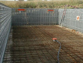 Marinal construction of a traditional swimming pool for Construction piscine beton