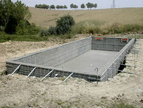 Construction d 39 une piscine traditionnelle for Construction piscine beton technique