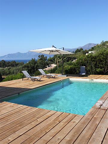 piscine en béton monobloc