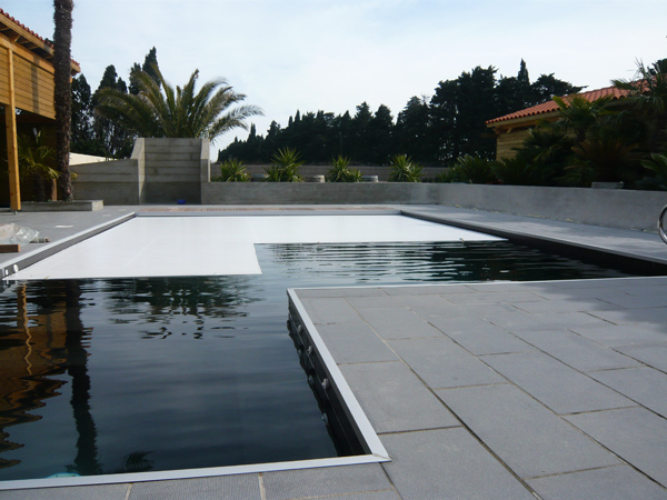 S curit pour piscines traditionnelles piscines marinal for Securite piscine miroir