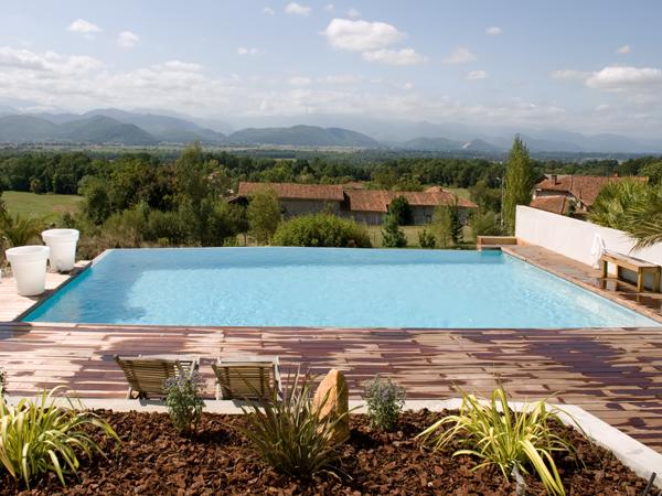 Construction piscines classiques piscines marinal for Construction classique