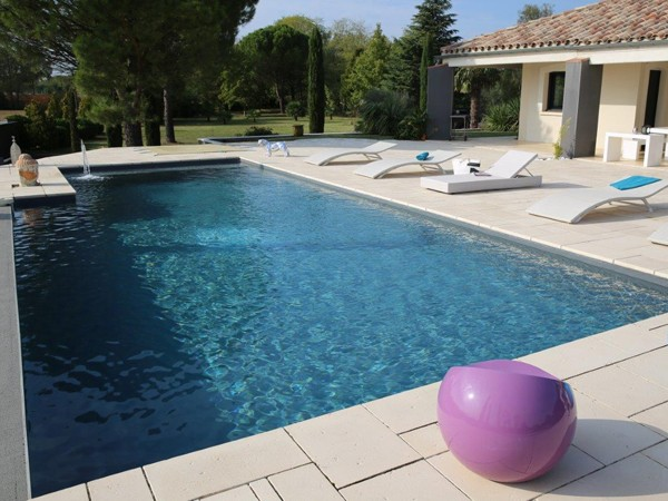 Piscine en b ton cir tendance for Piscine en beton