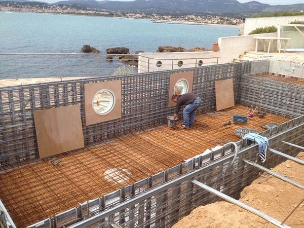 Construction piscine marinal hublots integres piscines for Construction piscine traditionnelle