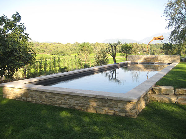 Marinal traditional monoblock concrete swimming pool for Construction piscine hors sol en beton
