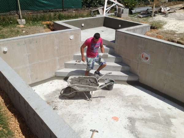 Piscines en b ton marinal garanties et assurances for Cout construction piscine beton