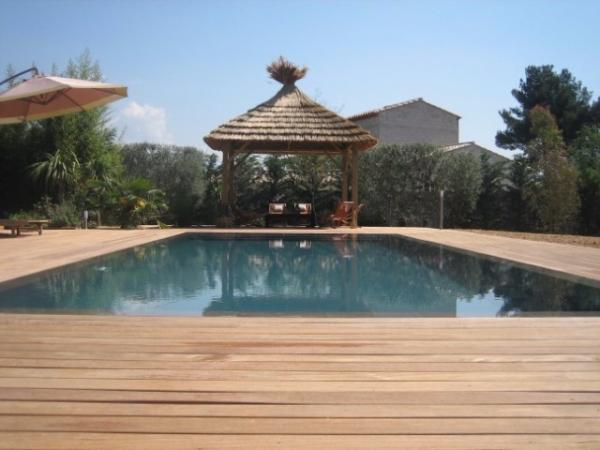 Construction de piscines miroir piscines marinal for Piscine effet plage