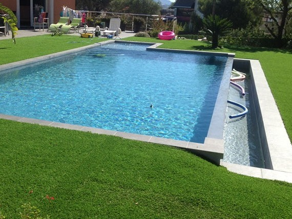 Piscines marinal construction de piscines d bordement for Piscine hors sol a debordement
