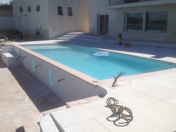 Construction piscine traditionnelle MARINAL