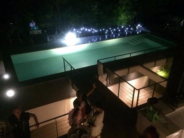 Ambiance piscine de nuit eclairee Marinal  constructeur de piscines Toulouse 31