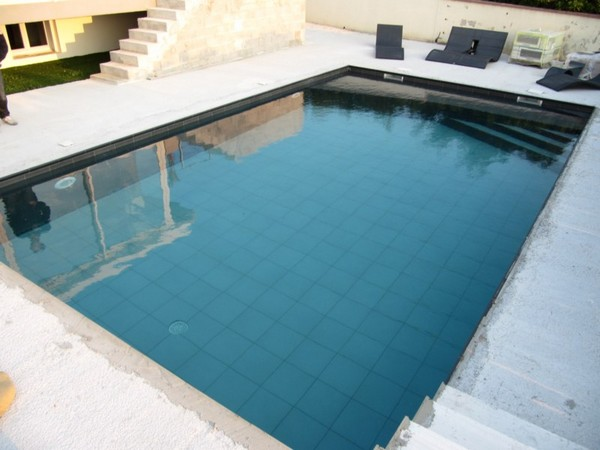 Piscines compatibles tout rev tement for Budget piscine beton