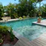 Marinal-piscine-classique-escalier-carrelage