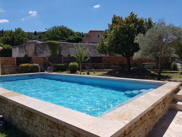 Piscines marinal mgv constructeur piscine beton vaucluse for Piscine marinal