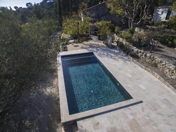 Construction piscines classiques for Constructeur piscine vaucluse