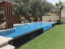 Chantier de construction d'une piscine Marinal par notre distributeur à Dubaï