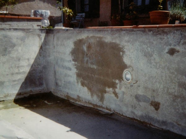 Piscine-en-parpaings-infiltration-eau