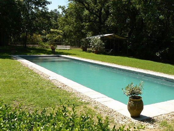 Piscine couloir de nage piscines Marinal distributeur de piscines en béton