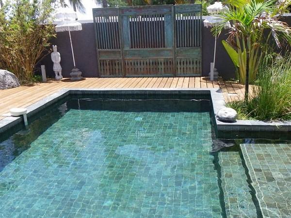 Piscine marinal piscines compatibles tout rev tement - Revetement ideal pourtour de piscine ...