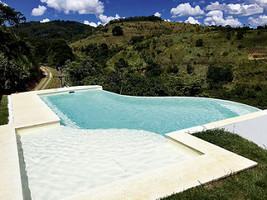 Les piscines de forme libre