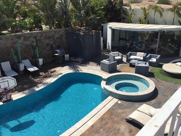 piscines marinal vous explique comment nettoyer la rouille. Black Bedroom Furniture Sets. Home Design Ideas