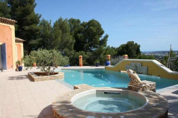 marinal-piscine-beton-classique-ronde